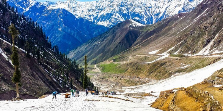 Naran and Kaghan for honeymoon travel in Pakistan